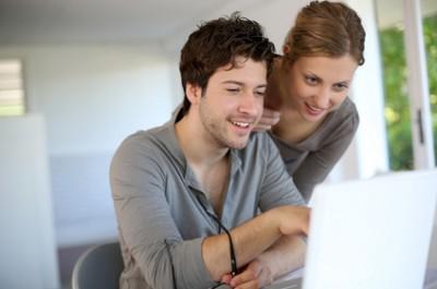 Wie können günstige Internetanbieter miteinander verglichen werden?